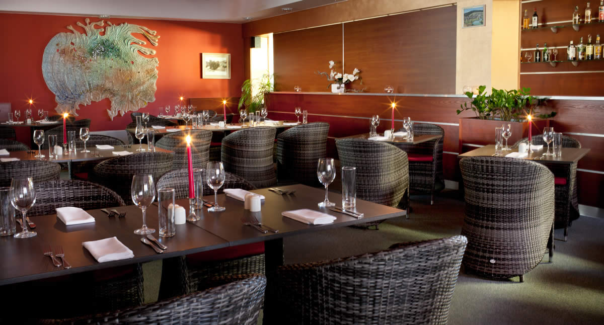 restaurace-hotelu-frymburk-1
