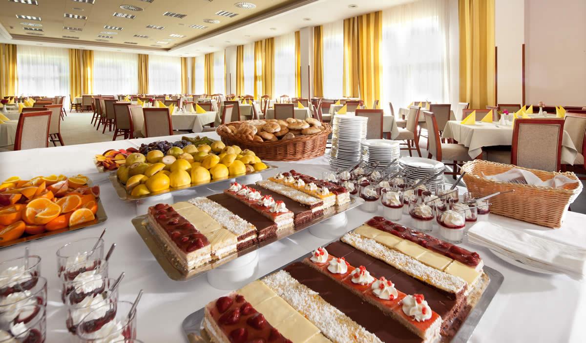 restaurace-hotelu-frymburk-4